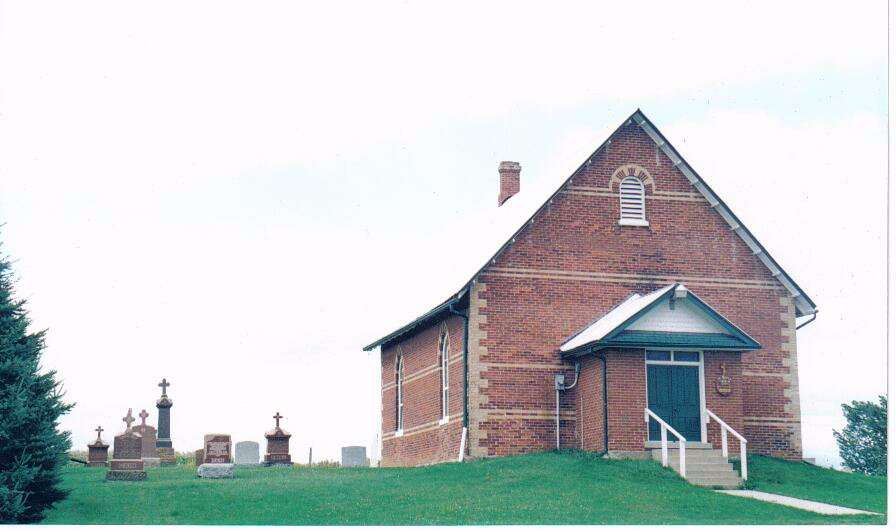 Od tego kościółka wszystko się zaczęło - tu 11-go listopada 1990 roku Polacy z okolic Nobleton mieli